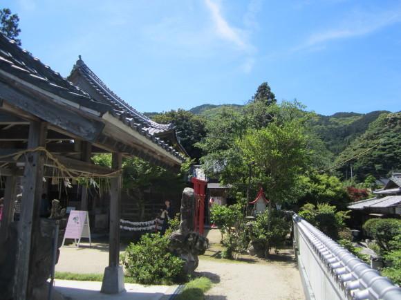 白山神社は菊理姫(白山姫)を祀る_a0237545_23252442.jpg