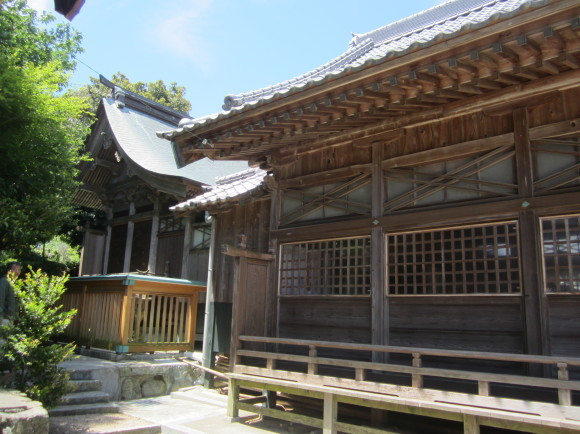白山神社は菊理姫(白山姫)を祀る_a0237545_23451590.jpg