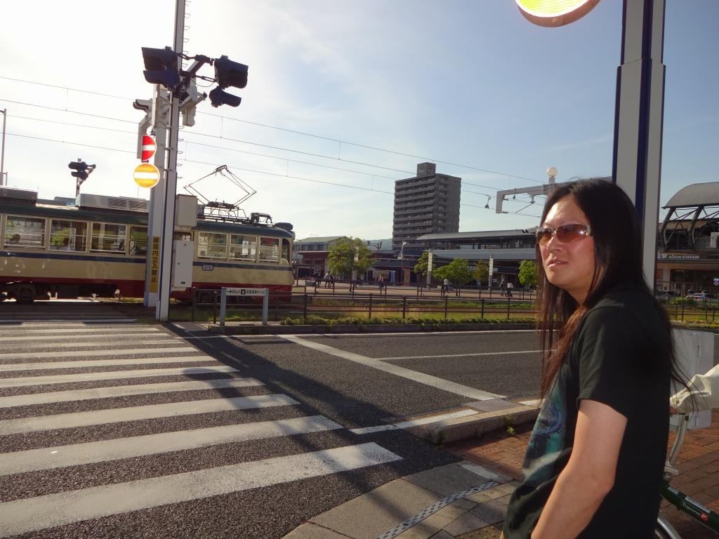 高知 2 【高知市初上陸、街でビールは龍と馬の麒麟推し!】_d0061678_13493694.jpg