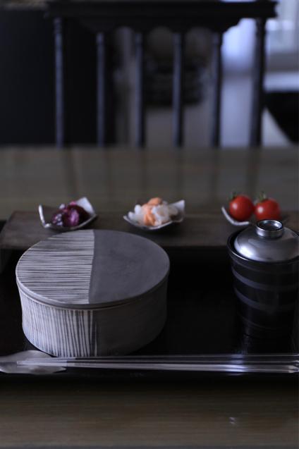 蔦井乃理子さんの食器でちょっと贅沢なおうちごはん_e0059896_09005565.jpg