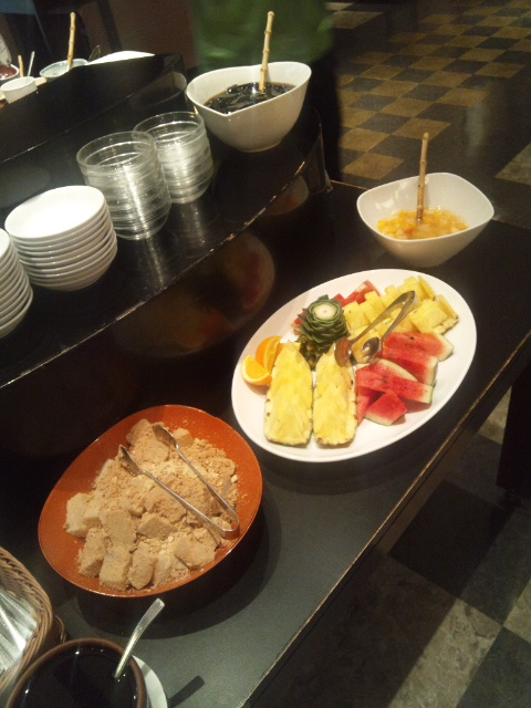 ホテルサンルート奈良 朝食ブッフェ_f0076001_23143931.jpg