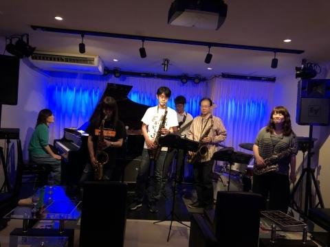 Jazzlive comin 広島 本日土曜日は おやすみ です。_b0115606_11523761.jpeg