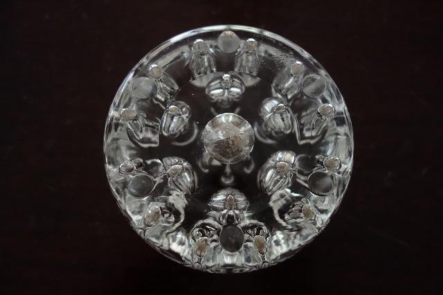 ガラスの花刺しまたはペン立て_f0112550_02534897.jpg