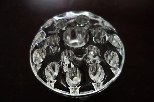 ガラスの花刺しまたはペン立て_f0112550_02534939.jpg
