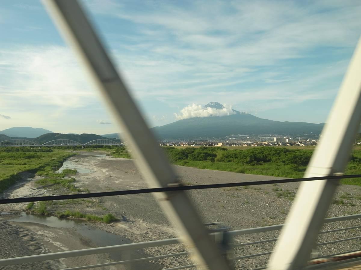 日本の誇り 新幹線_f0159784_15315410.jpg