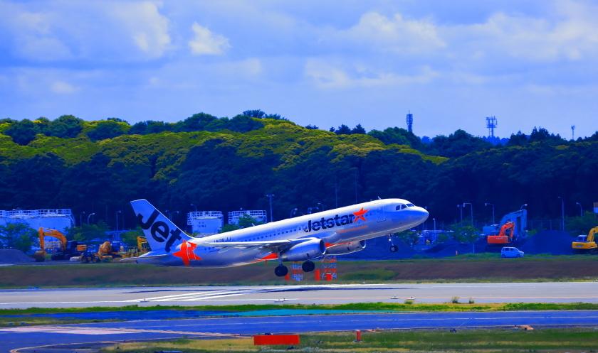 成田空港を離陸ジェットスター航空機_a0150260_23572026.jpg