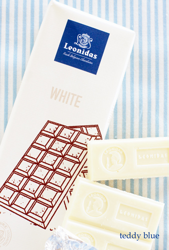 Leonidas white chocolate レオニダス ホワイトチョコバー_e0253364_21190135.jpg