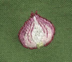 紫玉ねぎの刺繍をしました。_a0138978_22440025.jpg