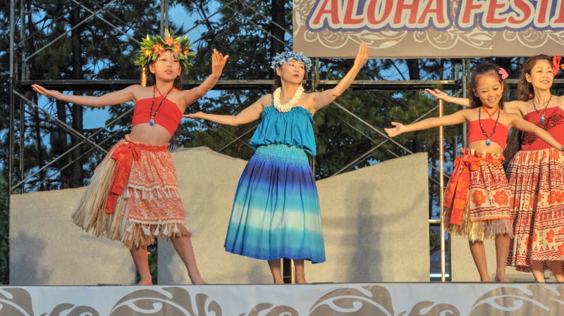 アロハフェスティバル in 高松 2018 ⑰ 雨上がりのメインステージで ②_d0246136_13221117.jpg