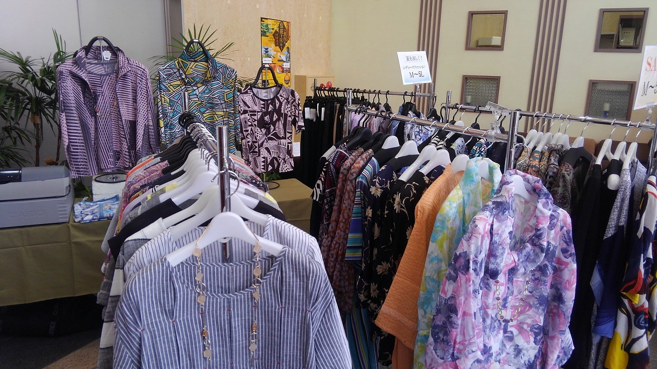 5月29日まで開催の夏用の婦人服販売 開催中_c0141652_13400960.jpg