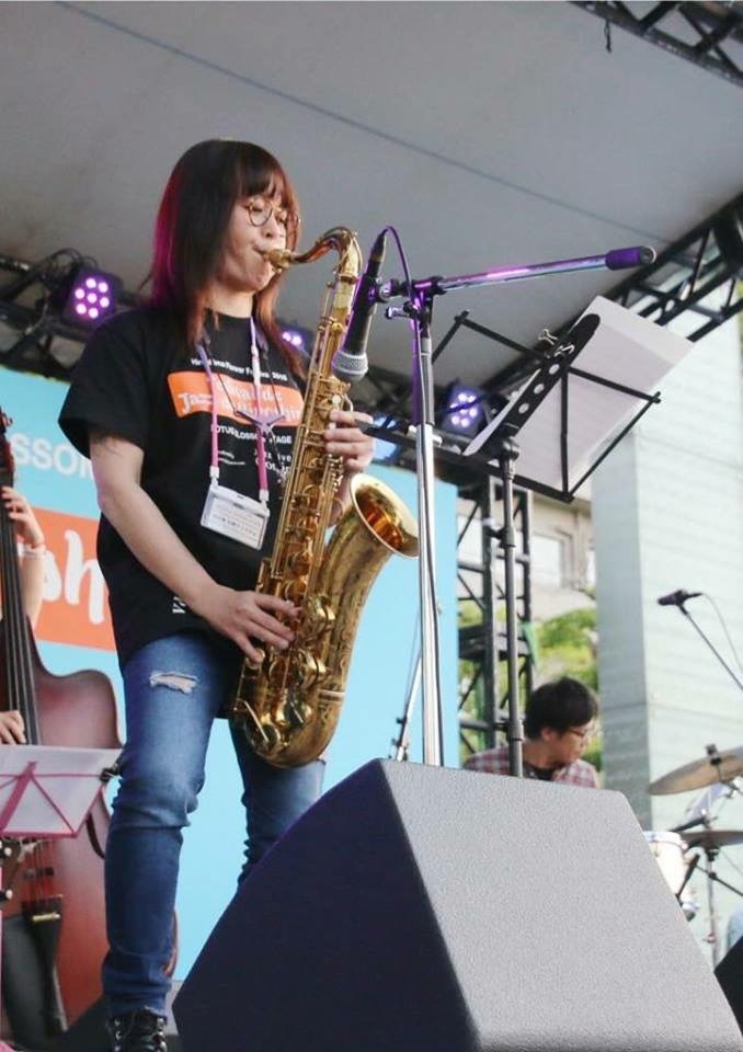 Jazzlive comin 広島 本日火曜日のライブ_b0115606_11293438.jpeg