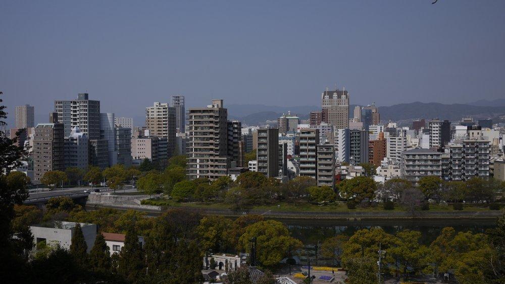 比治山から市街地を眺める_b0190540_00260064.jpg