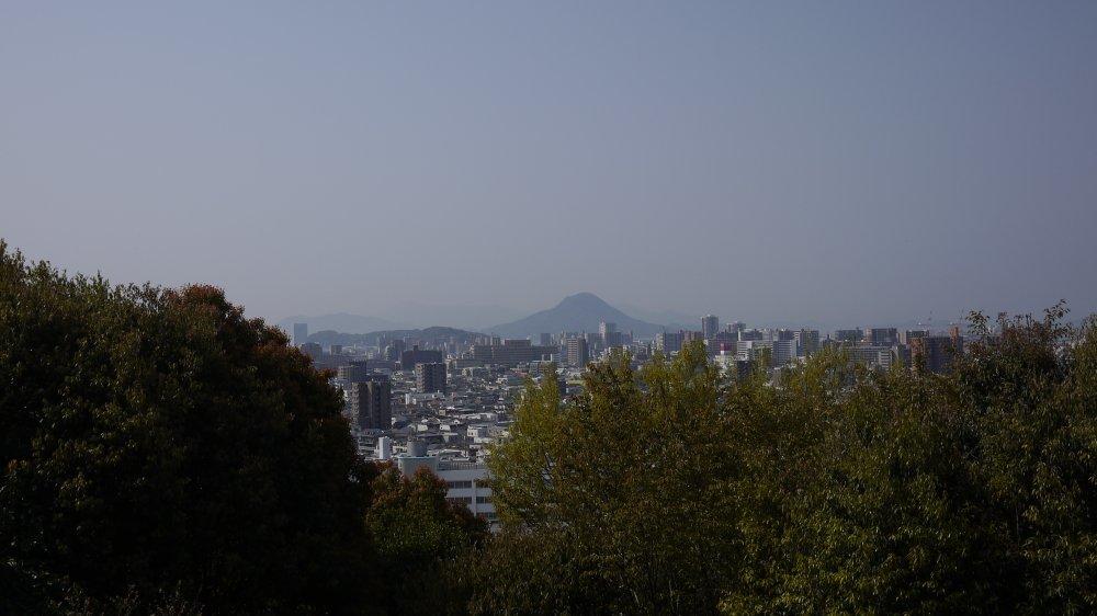 比治山から市街地を眺める_b0190540_00264824.jpg