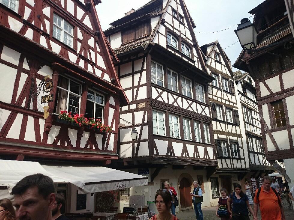 フランス ストラスブールは大都市_f0323446_07131111.jpg
