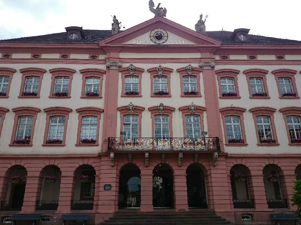 宝石のような街並みドイツ「ゲンゲンバッハ」_f0323446_15074315.jpg