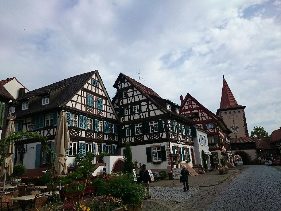 宝石のような街並みドイツ「ゲンゲンバッハ」_f0323446_15084800.jpg