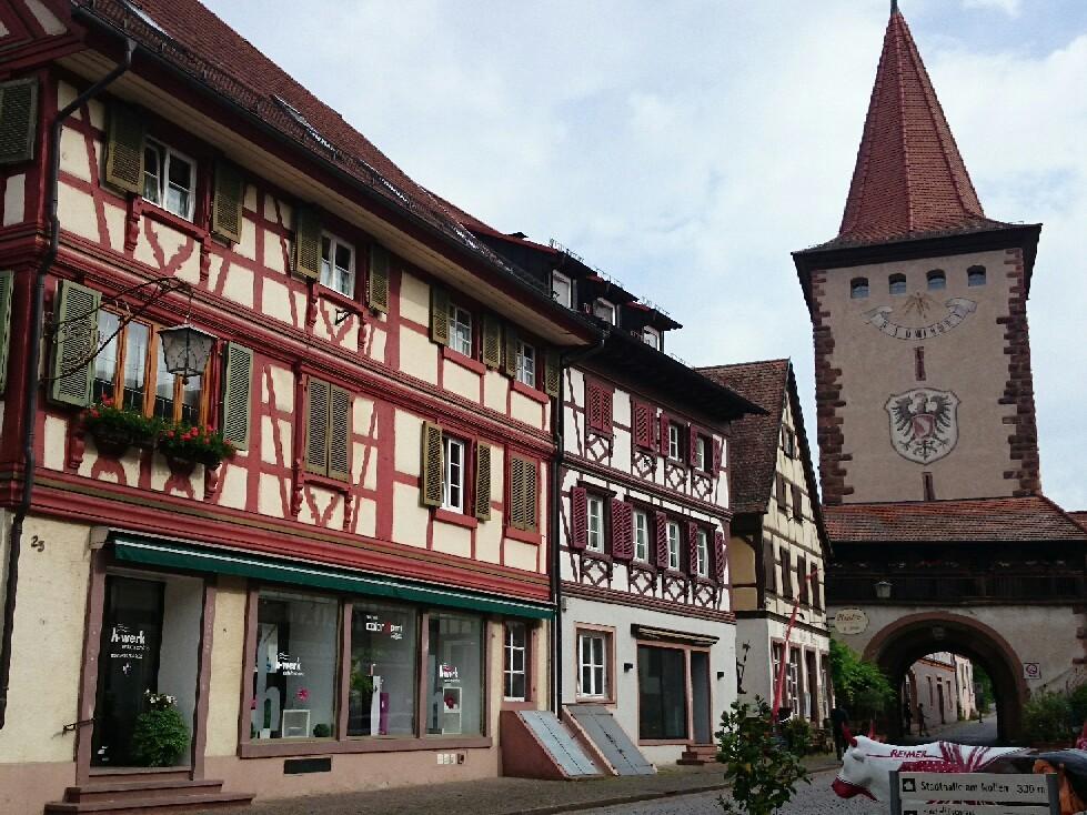 宝石のような街並みドイツ「ゲンゲンバッハ」_f0323446_15084872.jpg