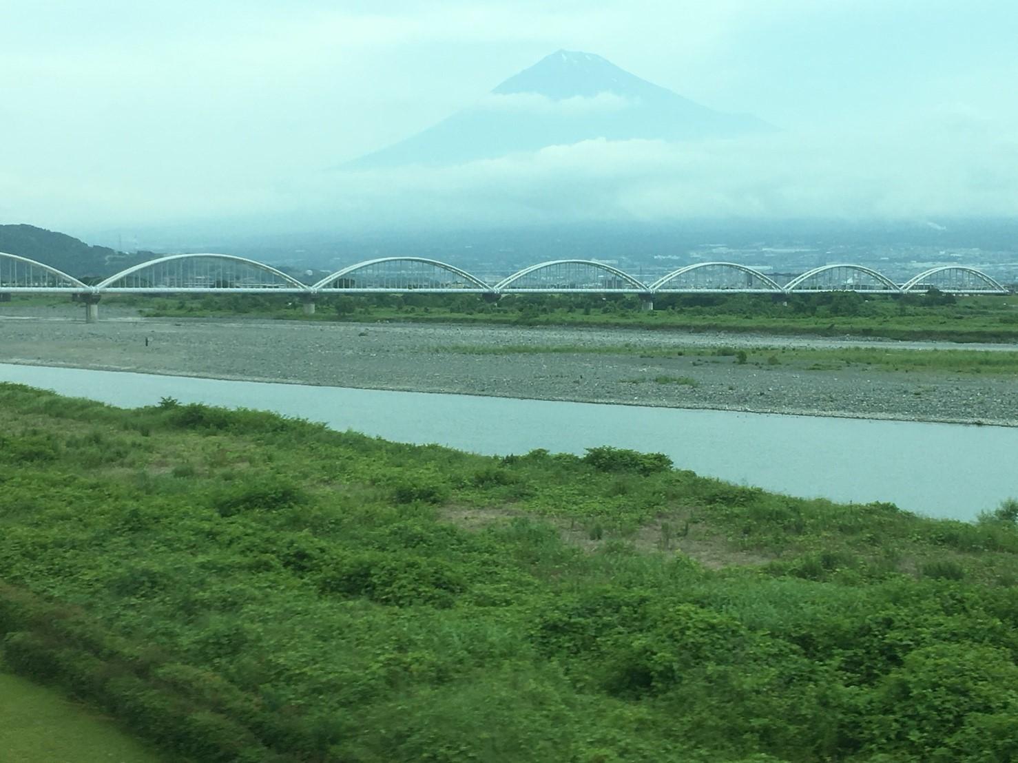 富士山ビューシリーズ 2018/5/29 今朝の新幹線からの富士山_b0011584_10020512.jpg