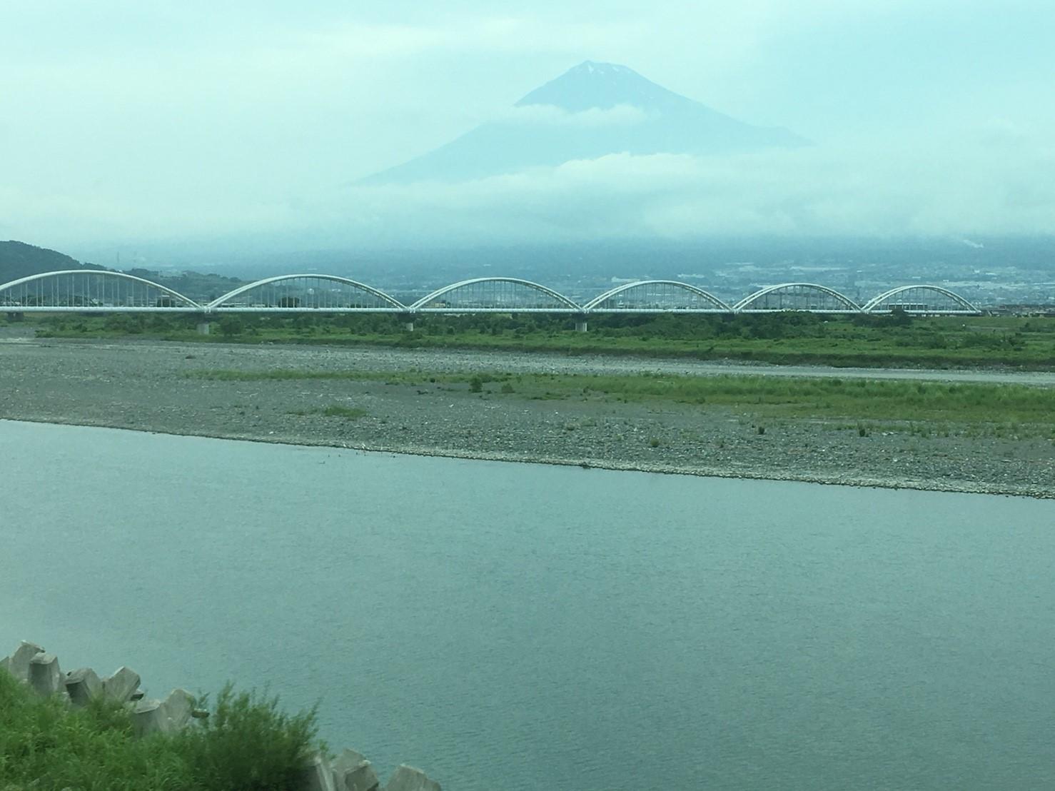 富士山ビューシリーズ 2018/5/29 今朝の新幹線からの富士山_b0011584_10022297.jpg