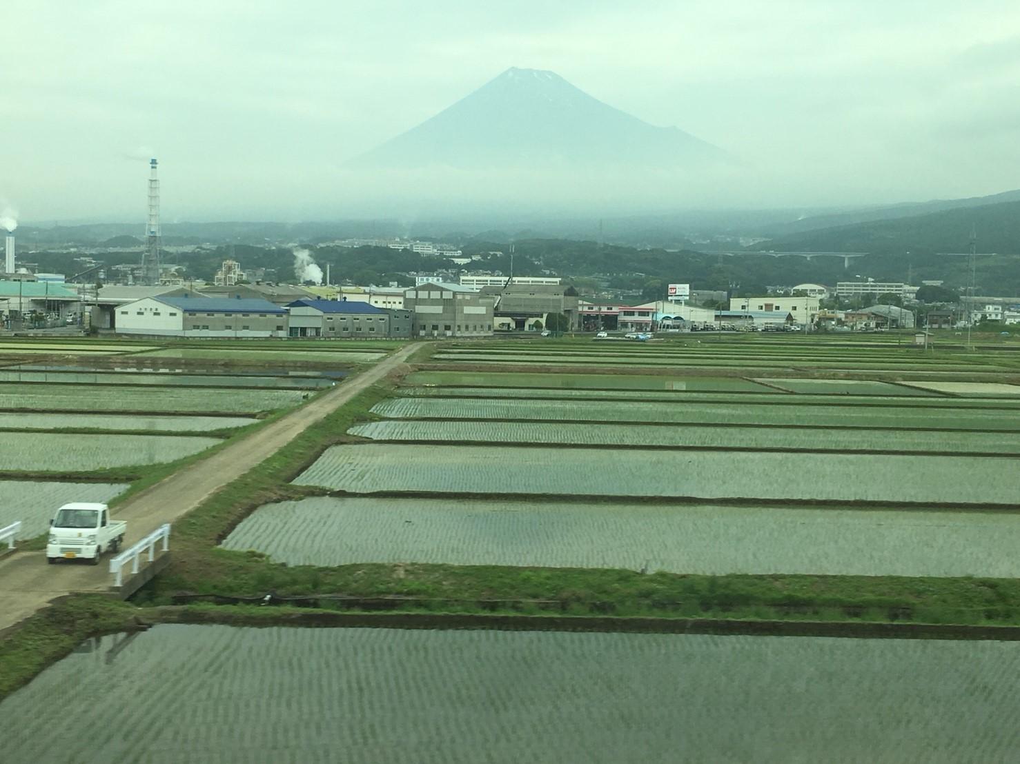 富士山ビューシリーズ 2018/5/29 今朝の新幹線からの富士山_b0011584_10032937.jpg