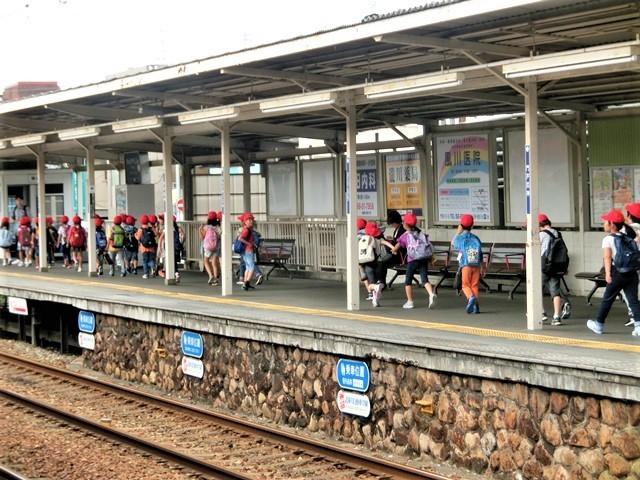 藤田八束の鉄道写真@お洒落な阪急電車に乗って文化都市を観光、関西は素晴らしい観光地・・・阪急電車に乗って京都・大阪・奈良そして神戸の観光地をお楽しみください_d0181492_22014921.jpg