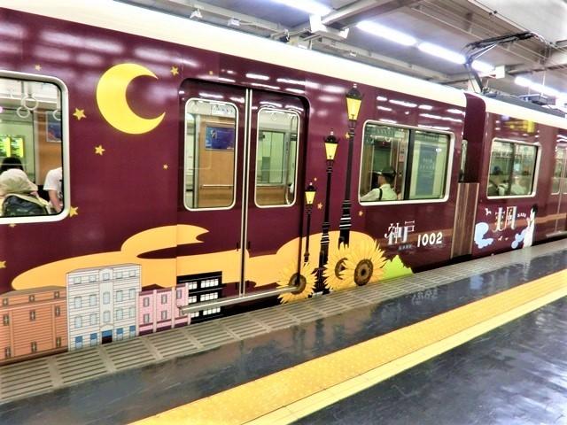 藤田八束の鉄道写真@お洒落な阪急電車に乗って文化都市を観光、関西は素晴らしい観光地・・・阪急電車に乗って京都・大阪・奈良そして神戸の観光地をお楽しみください_d0181492_22023767.jpg