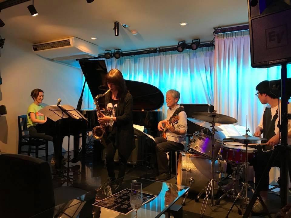 広島 Jazzlive comin 本日水曜日のライブ_b0115606_12031408.jpeg