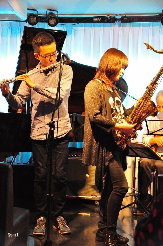広島 Jazzlive comin 本日水曜日のライブ_b0115606_12032343.jpeg