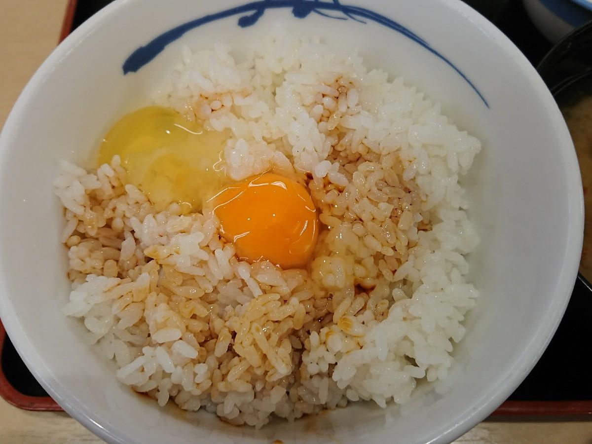 5/30  選べる小鉢の玉子かけご飯ミニ牛皿¥290_b0042308_07471267.jpg
