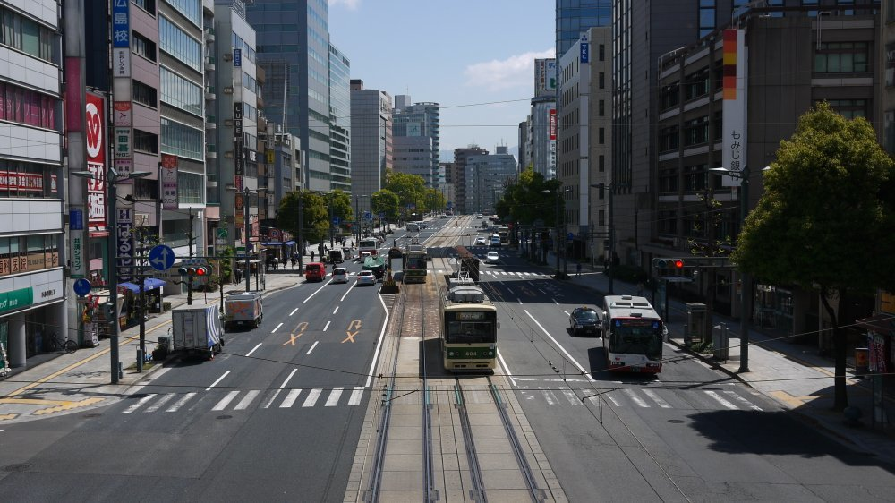 銀山町歩道橋から_b0190540_09333399.jpg