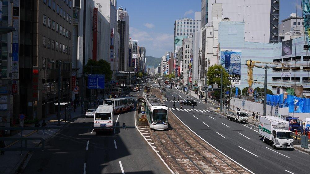 銀山町歩道橋から_b0190540_09340832.jpg