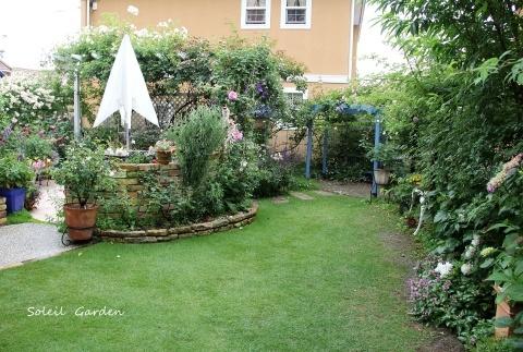 ◆素敵なお庭訪問・・・再びSさんのお庭3 & Rochetさんのお庭3_e0154682_22203392.jpg