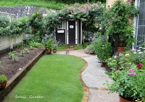 ◆素敵なお庭訪問・・・再びSさんのお庭3 & Rochetさんのお庭3_e0154682_22243398.jpg
