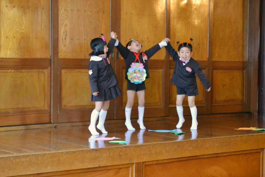 第一幼稚園 4月・5月生れのお誕生会でした。_d0353789_11575783.jpg
