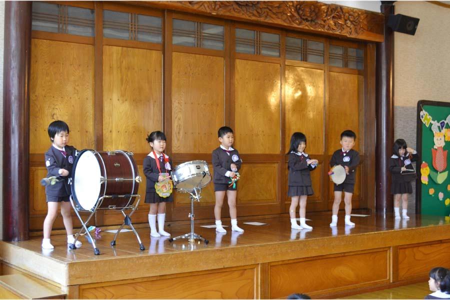 第一幼稚園 4月・5月生れのお誕生会でした。_d0353789_11581309.jpg