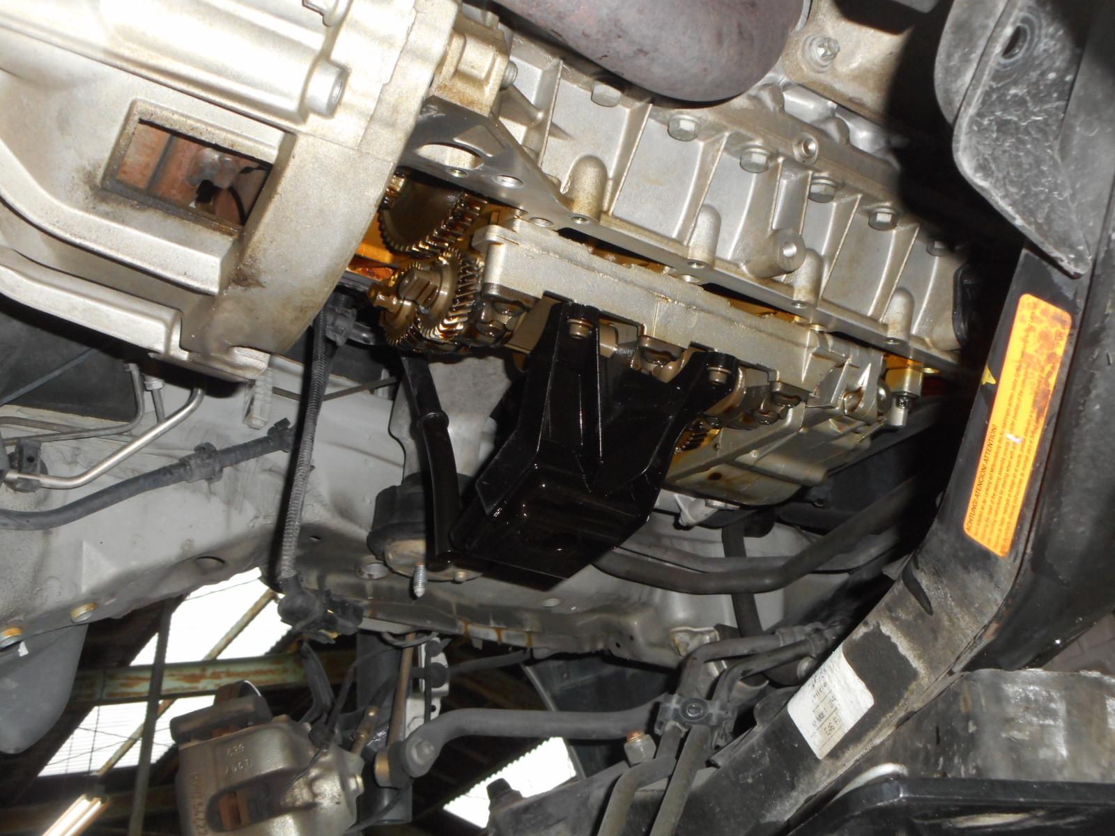 BMW 318i (E46) エンジンオイル漏れ 修理(オイルパンガスケット交換)_c0267693_15395314.jpg