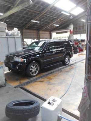 リンカーンアビエーター 雨漏れ修理_c0267693_16472691.jpg