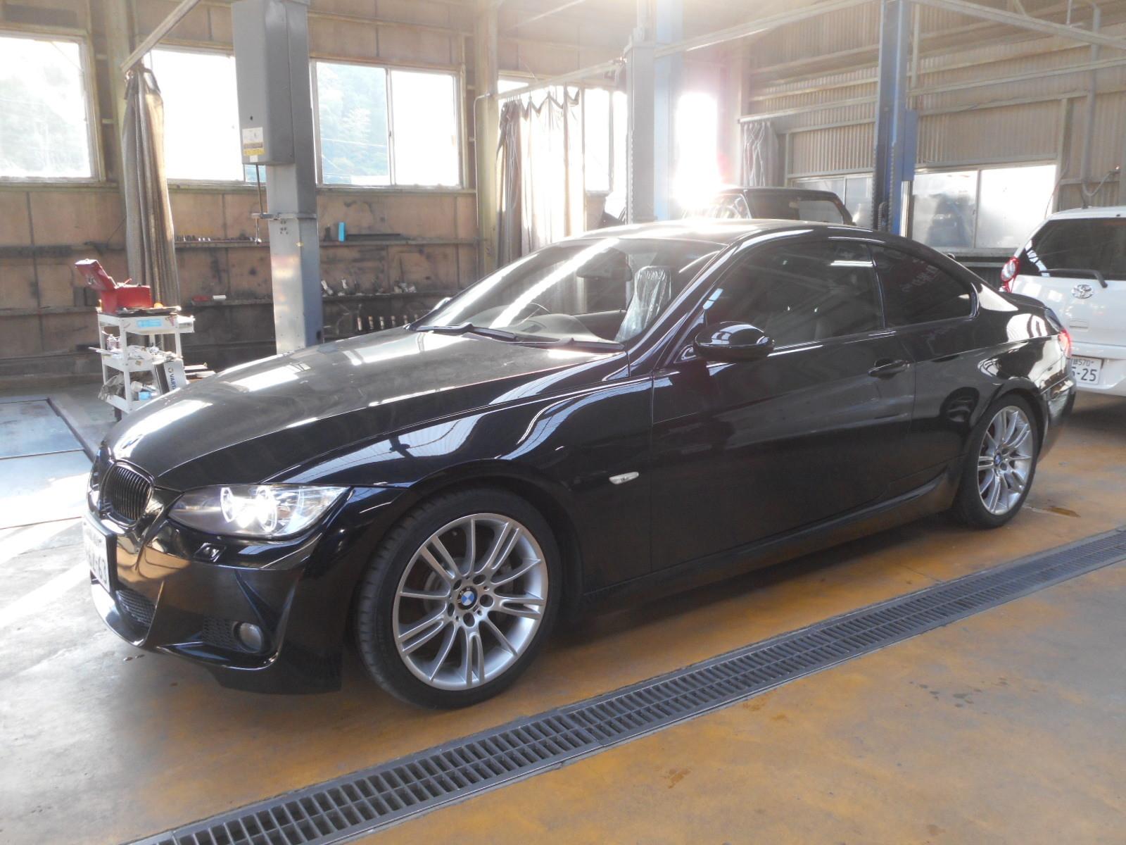 BMW335 クーペ (E90) エンジンオイル漏れ修理 納車整備_c0267693_17105395.jpg