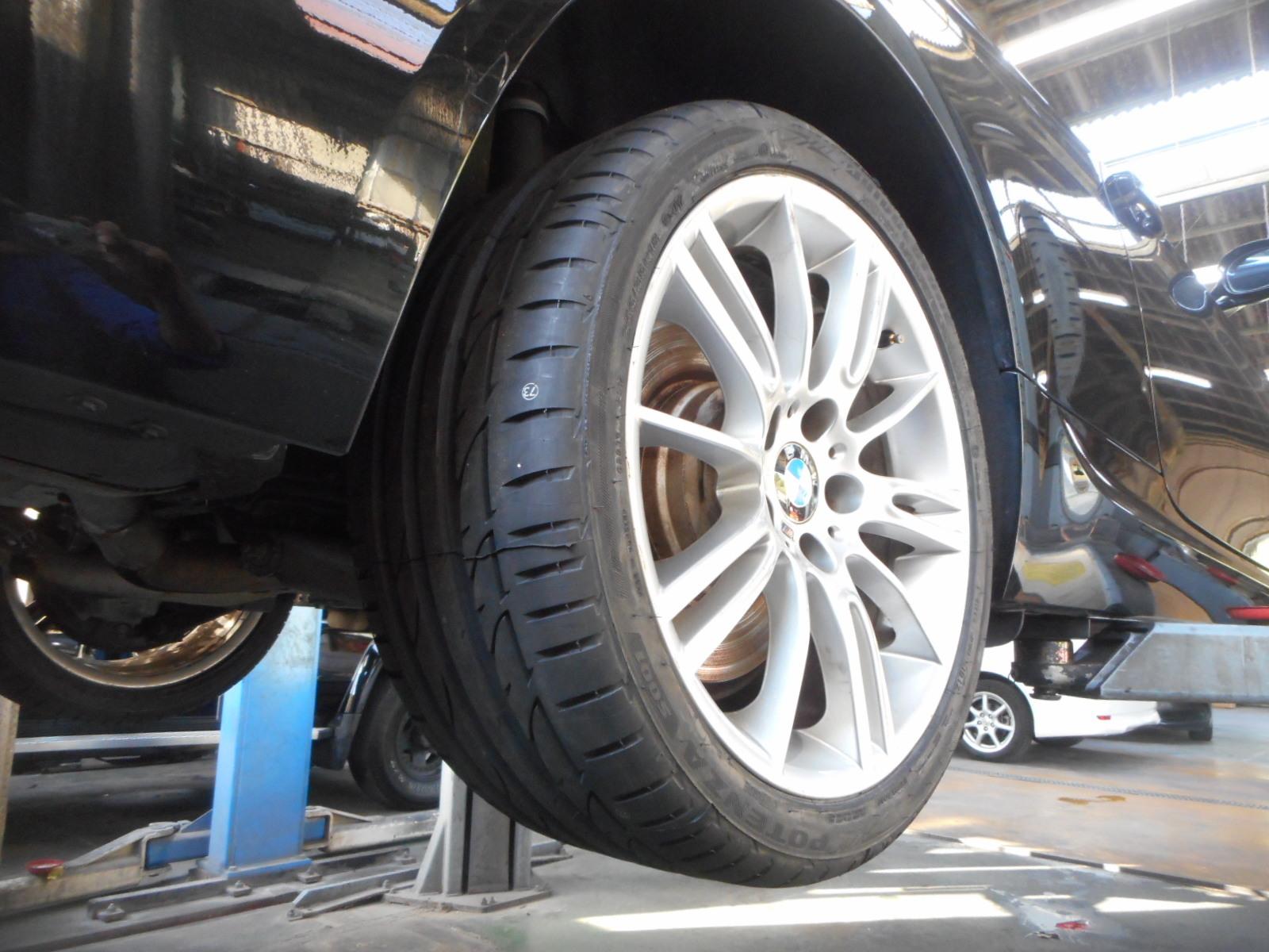 BMW335 クーペ (E90) エンジンオイル漏れ修理 納車整備_c0267693_17112027.jpg