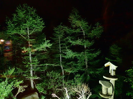 夜の休憩所_e0120896_07560039.jpg