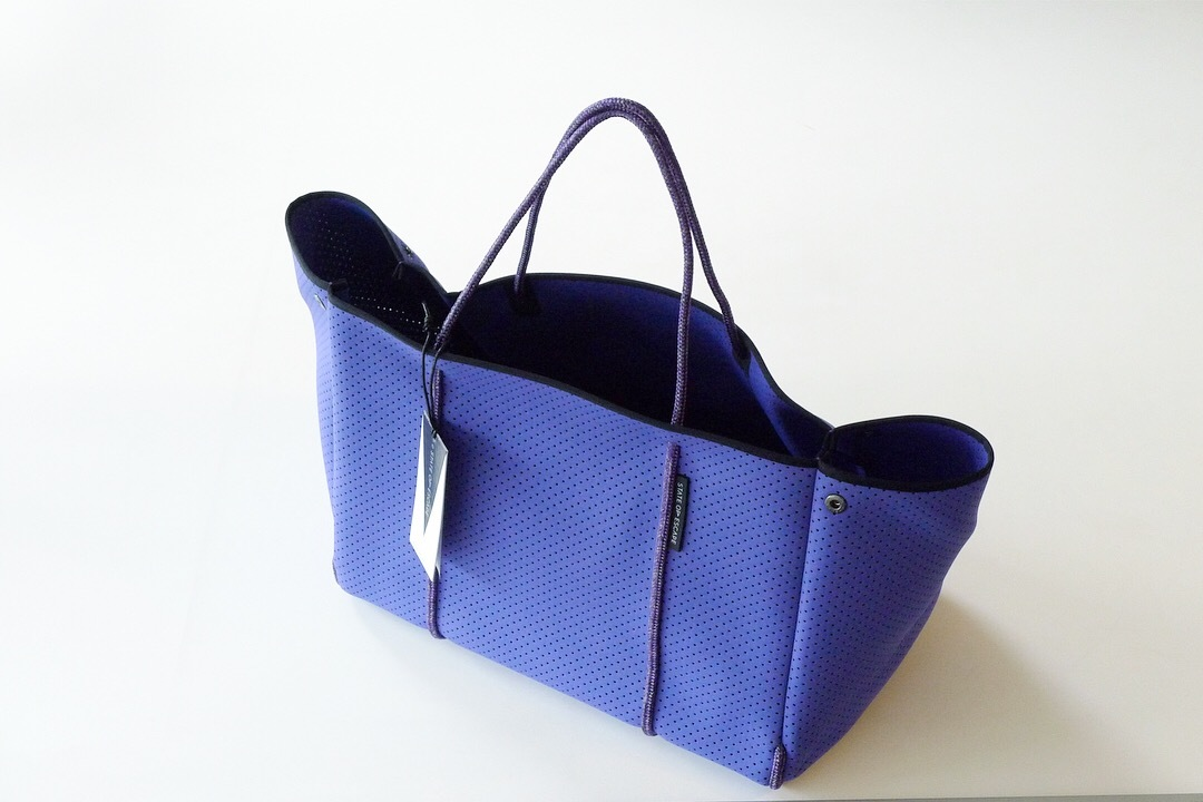 STATE OF ESCAPE ESCAPE CARRYALL VIOLET_f0111683_13343426.jpg