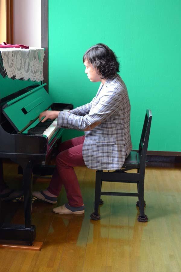 卒園児の 宮野恭輔さんが当園を訪れました。_d0353789_16015868.jpg