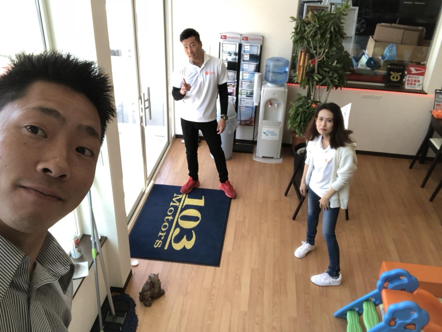 6月1日(金)トミー本店ブログ☆ 新メンバー登場!!ランドクルーザー、どんな車も!トミーモータース_b0127002_15333671.jpg