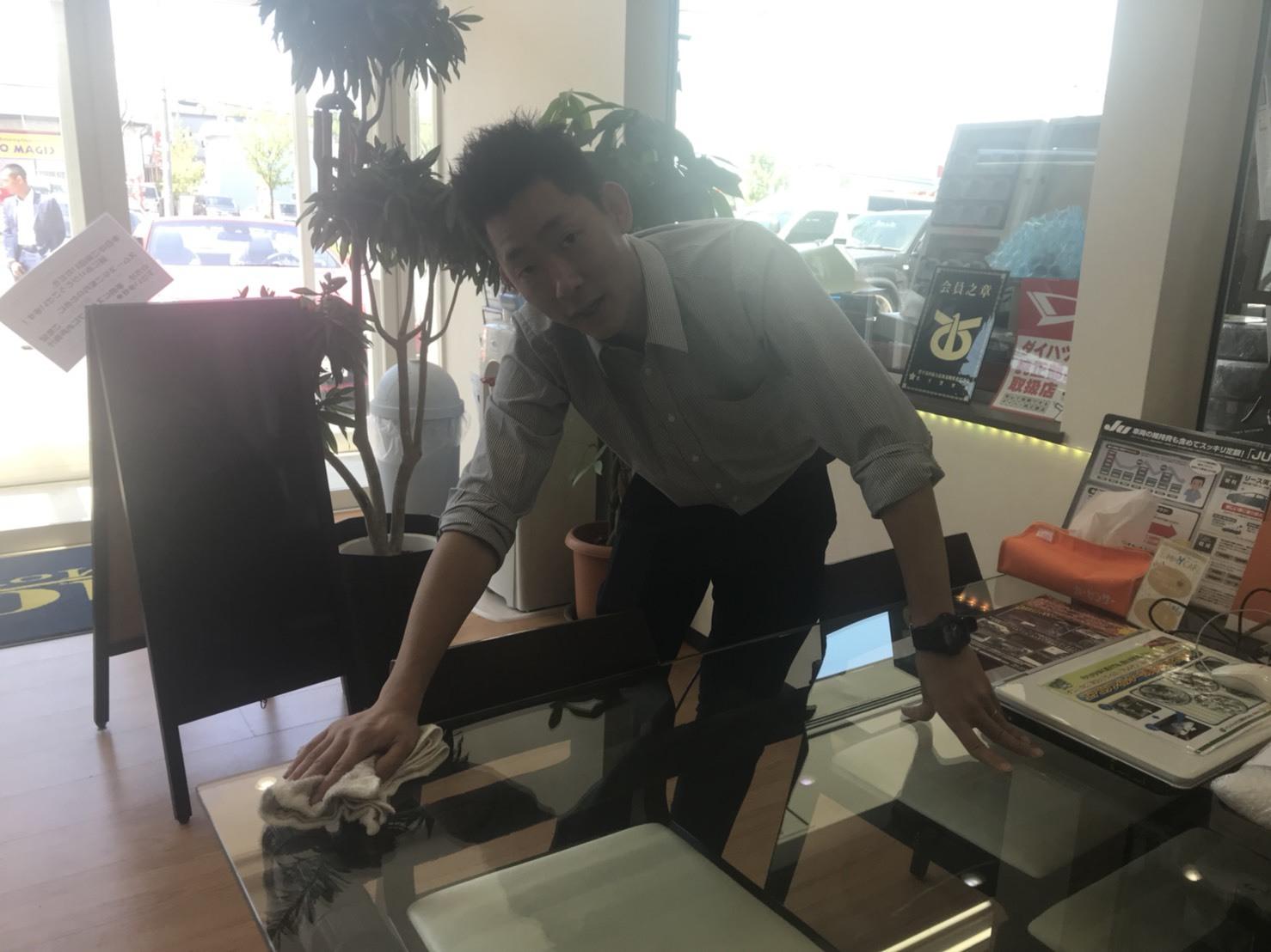 6月1日(金)トミー本店ブログ☆ 新メンバー登場!!ランドクルーザー、どんな車も!トミーモータース_b0127002_15392731.jpg
