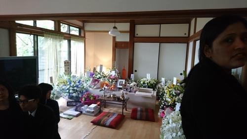 「アジアンランチ社長婦人の葬儀」_a0075684_16163329.jpg