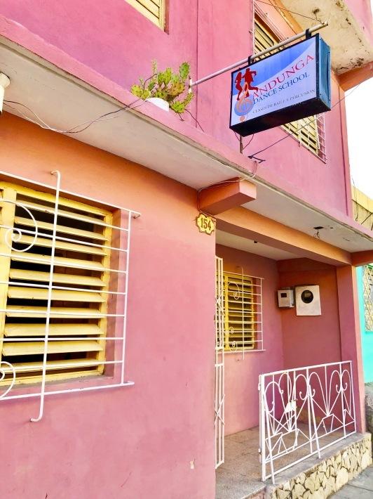 キューバのダンスカンパニー_a0103940_18124315.jpeg