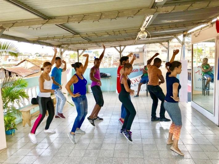 キューバのダンスカンパニー_a0103940_19093825.jpeg