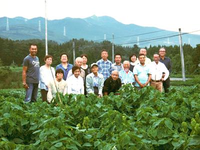 菊池水源産エゴマ 令和2年の栽培スタート 良い苗を育てるための選び抜く播種作業 今年も無農薬栽培です_a0254656_18154685.jpg