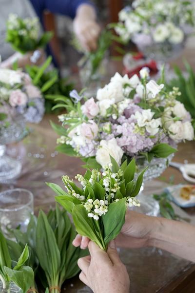 5月のレッスン スズランと市川バラ園のバラを使って_f0127281_17241128.jpg