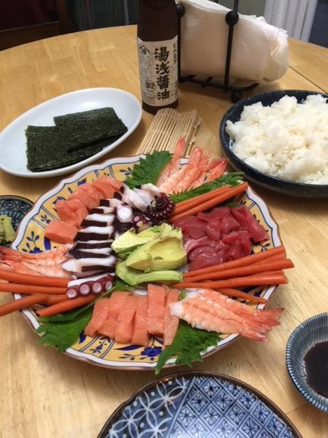 トロ丼、手巻きずし、善光寺の里みそ、じゃこ佃煮-今週の日本食_e0350971_00570710.jpg